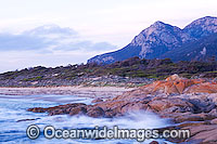 Salmon Rocks Flinders Island Tasmania Photo - Gary Bell