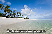 Tropical lagoon Cocos Islands Photo - Gary Bell