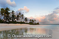 Tropical beach lagoon Cocos Islands Photo - Gary Bell
