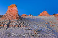 Sand dunes Mungo National Park Photo - Gary Bell