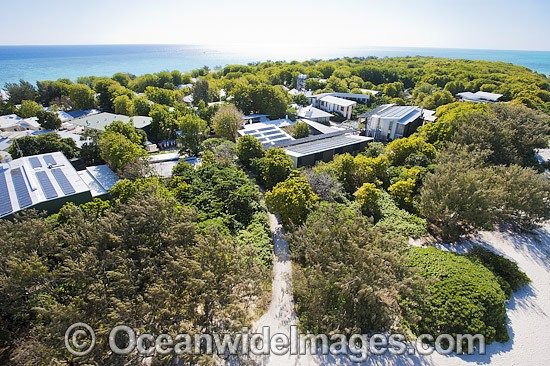 Aerial view of the Heron Island Research Station, which is run and operated by the University of Queensland. Heron Island, Great Barrier Reef, Qld, Australia. Photo - Gary Bell