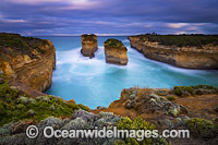 Limestone stacks Port Campbell Photo - Gary Bell