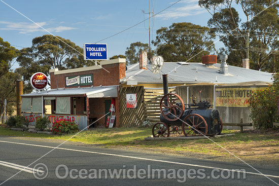 Toolleen Hotel, situated in Toolleen, Central Victoria, Australia. Photo - Gary Bell