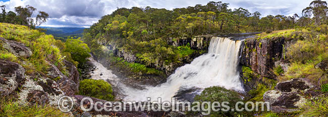 Ebor Falls, situated within Guy Fawkes River National Park, near Ebor on Waterfall Way. New England Tablelands, New South Wales, Australia. Photo - Gary Bell