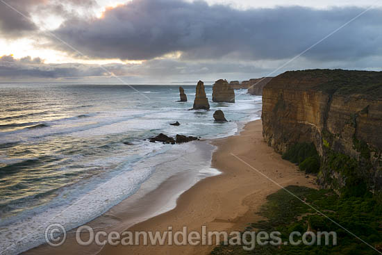 Twelve Apostles. Port Campbell Coastal National Park, Victoria, Australia. Photo - Gary Bell