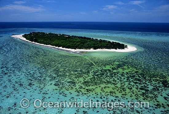 Aerial view of Heron Island and surrounding coral reef. Southern Great Barrier Reef, Queensland, Australia Photo - Gary Bell